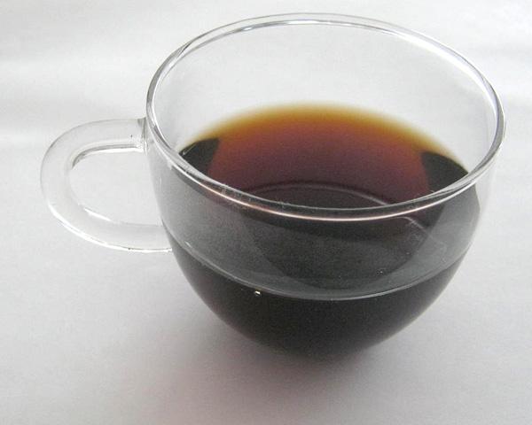 Pu her tea